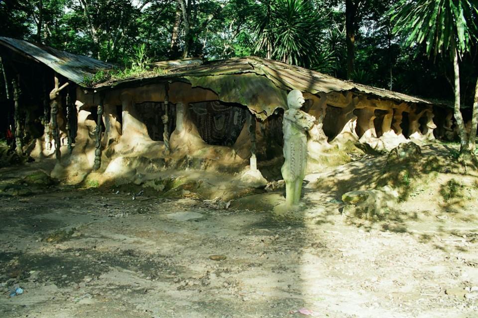 Nigeria-Oshogbo im okkultistischen Zentrum von Susanne Wenger