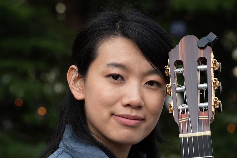 Liying Zhu, Klassische Gitarristin